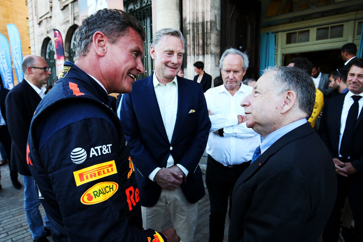 Getty Images/Red Bull Content Pool - Sean Bratches (au centre) va rester conseiller