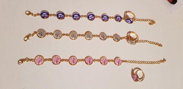 De jolis bijoux