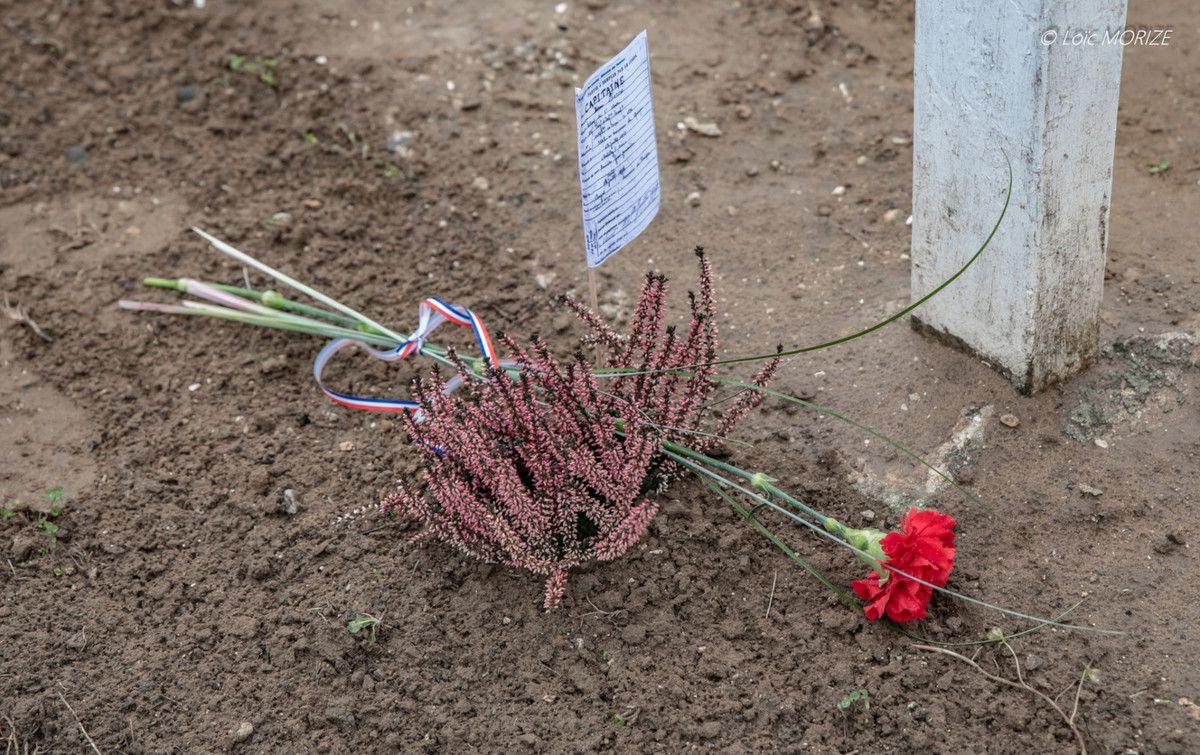 Hommage aux soldats enterrés au carré militaire