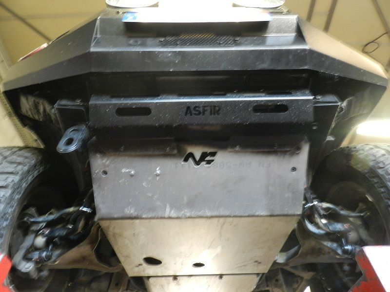 Unique au monde surement ce Navara D40 V6 diesel avec p.choc avant ASFIR