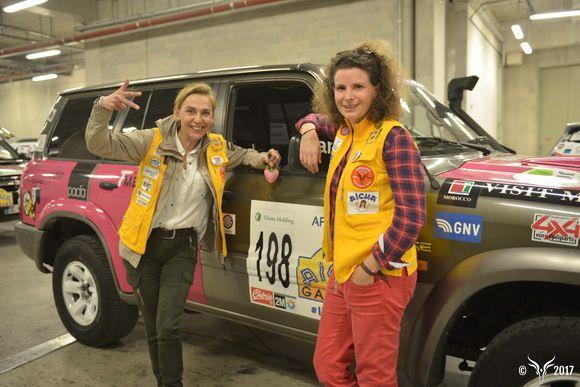 equipage 198 Corinne et Nicole sur Nissan patrol lors des vérifs à Nice