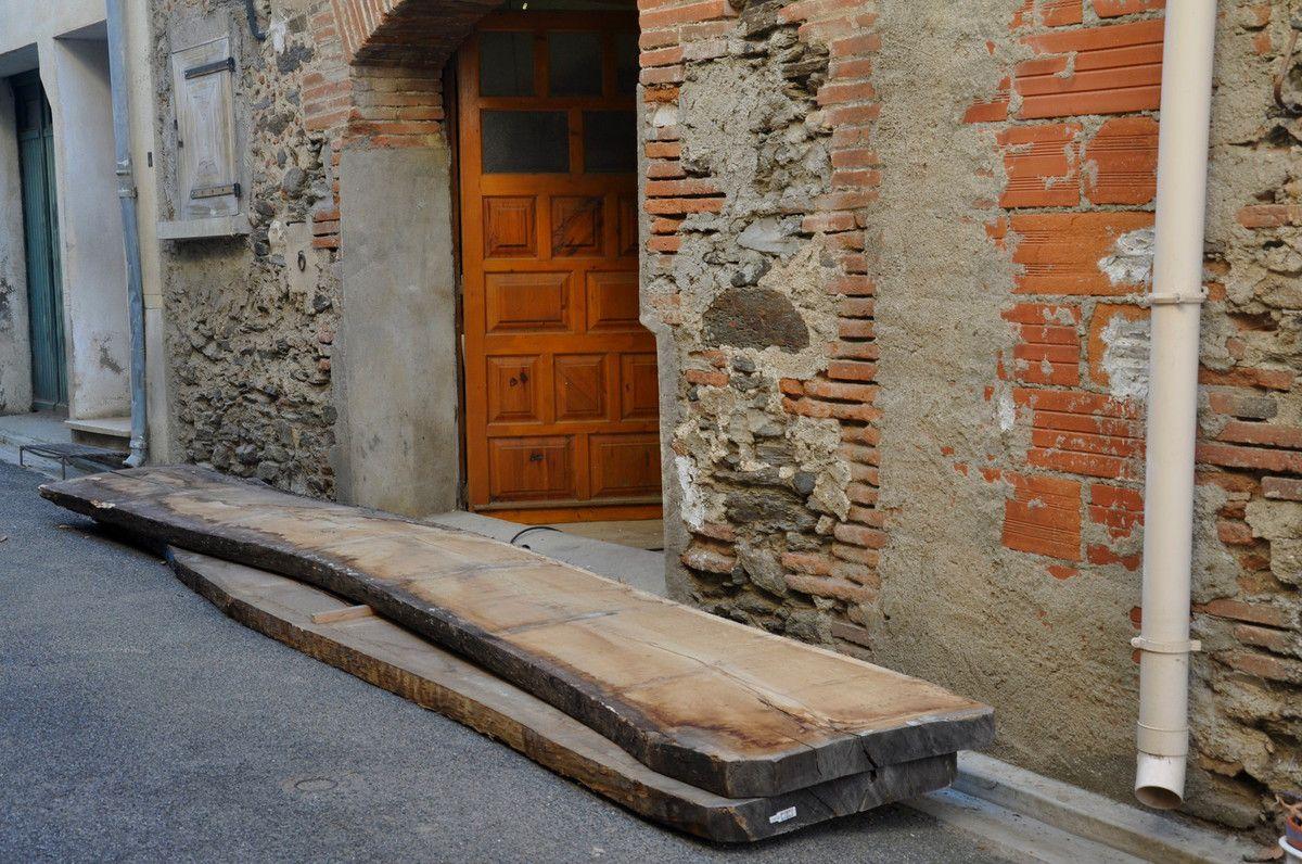 Deux planches de chêne pour le besoin de la porte.