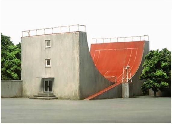 """""""CLIC"""" pour voir l'architecture absurde de Frank Kunert"""