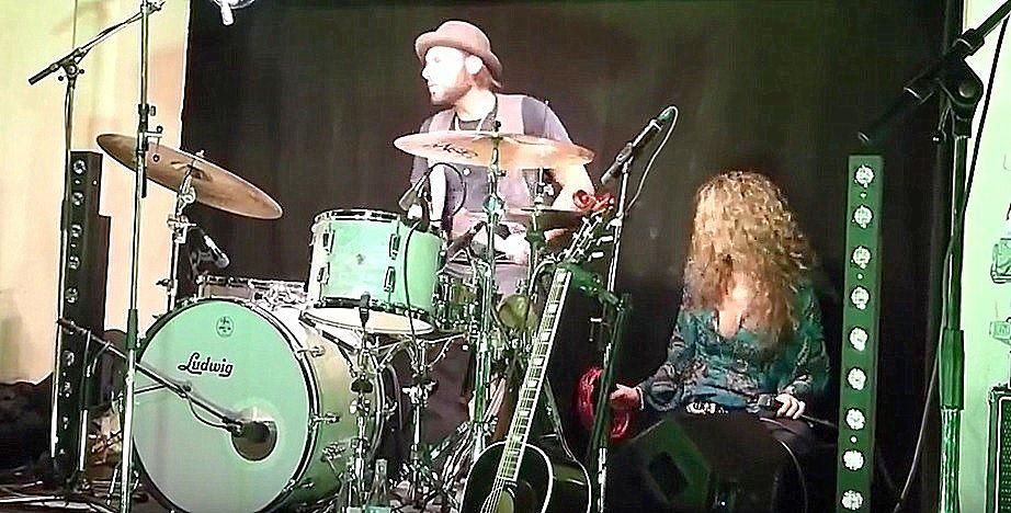 """""""CLIC"""" pour 15 minutes de blues péchu avec Dana Fuchs"""