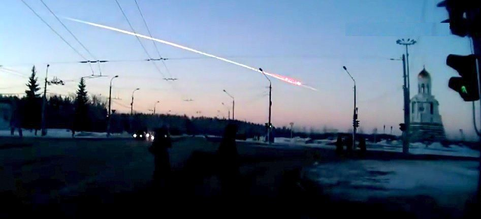 """""""CLIC"""" pour voir (ou re voir) les extraordinaires vidéos de la météorite du 15 février 2013."""