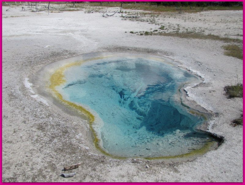 Yellowstone Park National.. Les Marmites ..