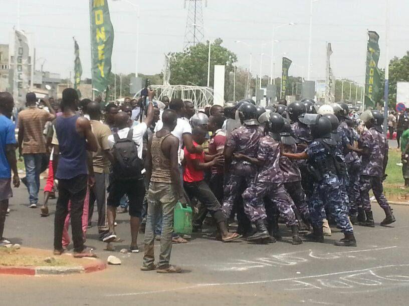 Togo, pays mort: appel à la résistance