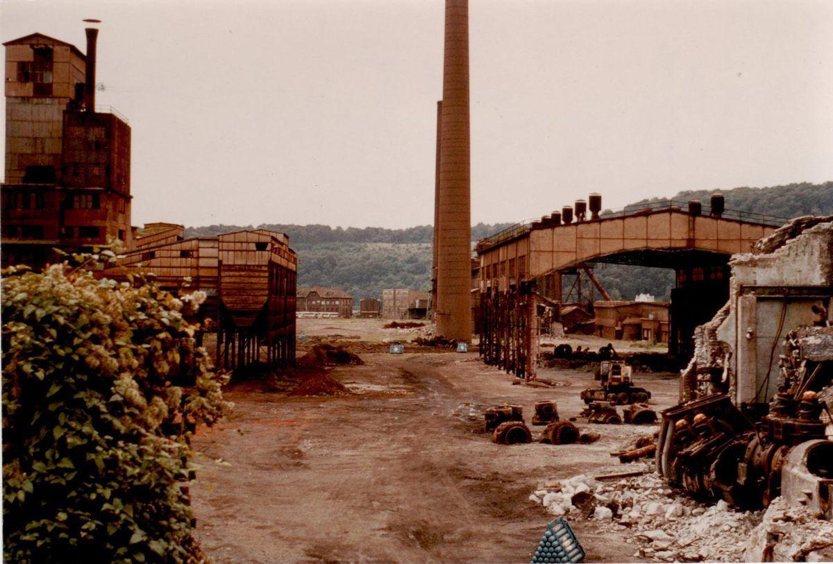 1980 démantèlement de l'usine (zone du haut)