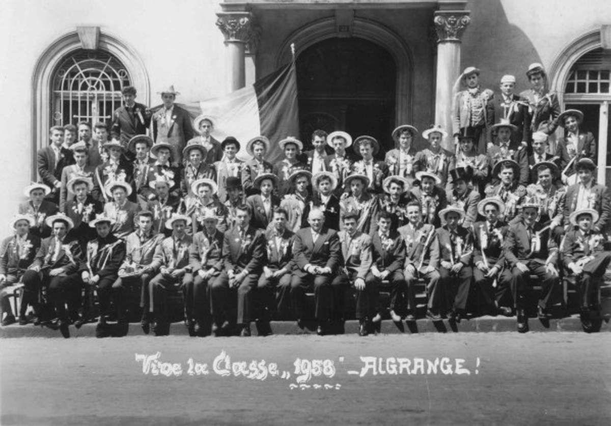 Les conscrits en 1958 à Algrange