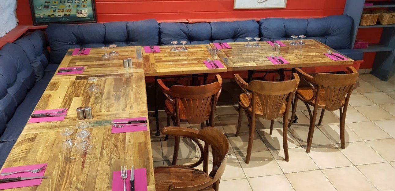 Le Boiseux, un professionnel à l'écoute des professionnels, conçoit vos tables comme des outils de travail aux dimensions susceptibles de vous faire gagner des m2 et des sourires.