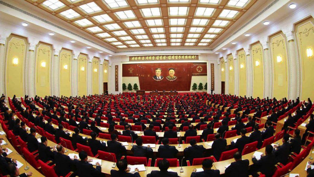 """Une situation """"rude"""" mais une sortie """"victorieuse de l'impasse avec les Etats-Unis"""" (Kim Jong-un)"""