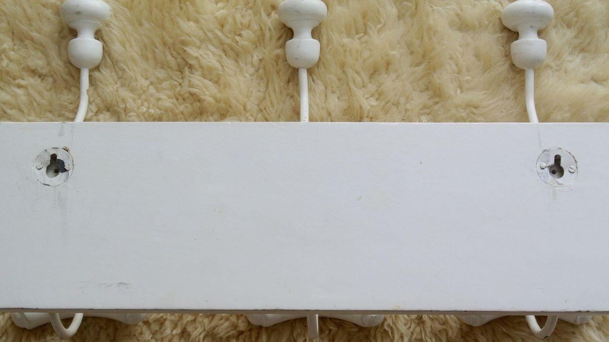 Porte manteaux en bois blanc et métal
