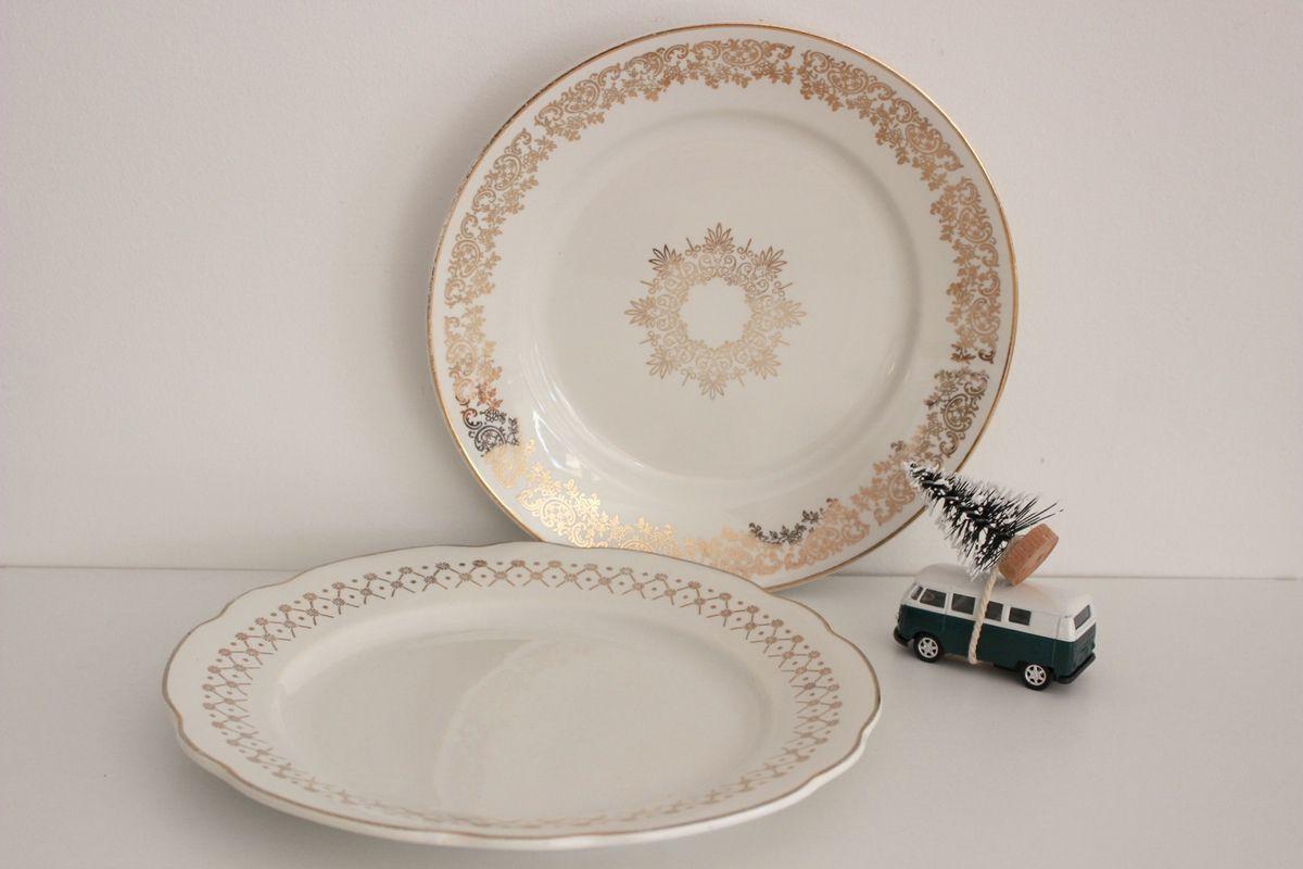Lot de 2 assiettes plates dorées Vintage