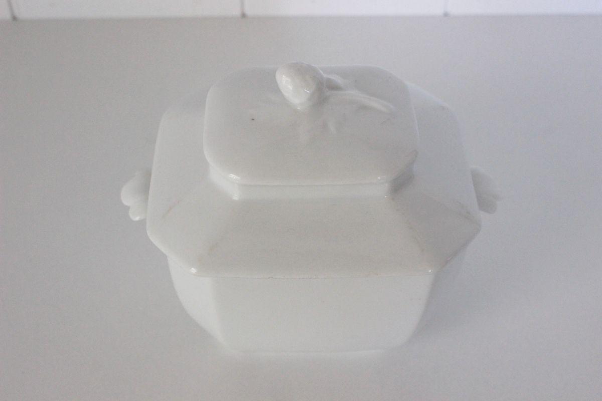 Sucrier ancien en porcelaine blanche