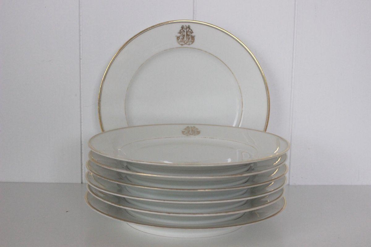Lot d'assiettes anciennes à dessert en porcelaine blanche monogramme doré Colin Paris rue de Rivoli