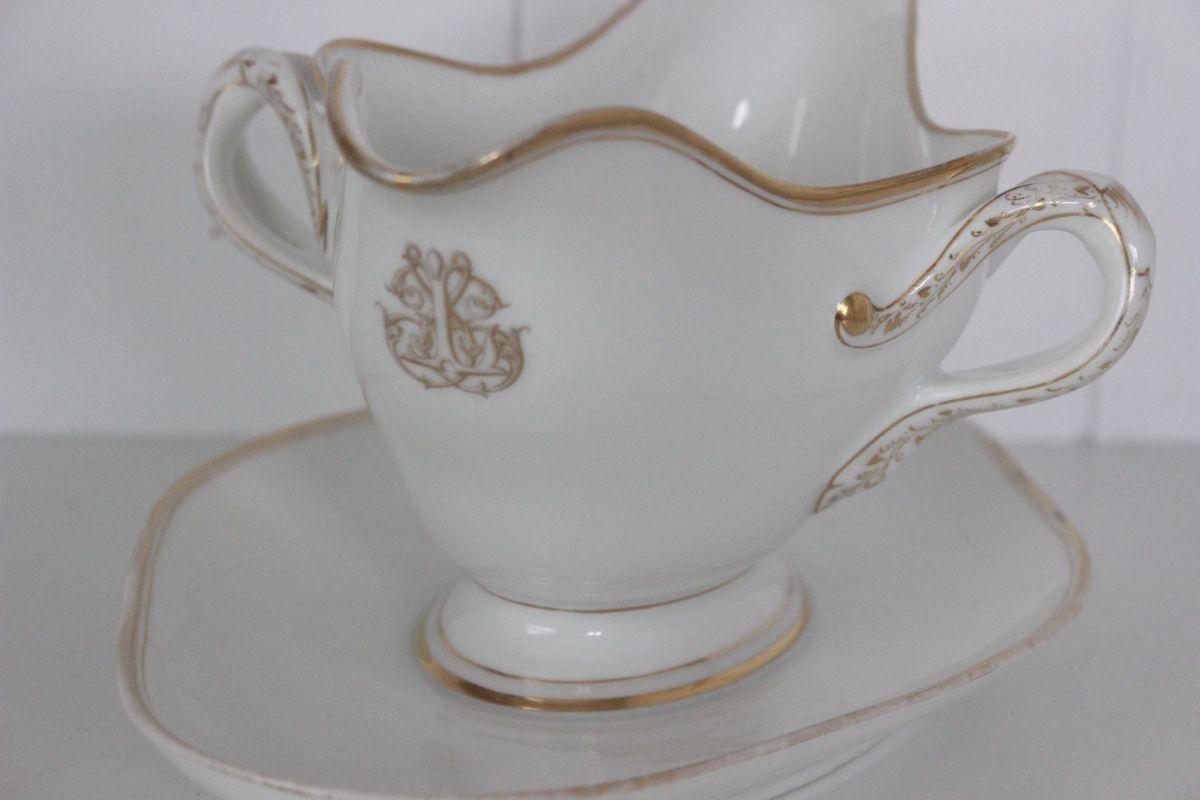 Saucière ancienne en porcelaine blanche monogramme doré Collin Paris Rue de Rivoli