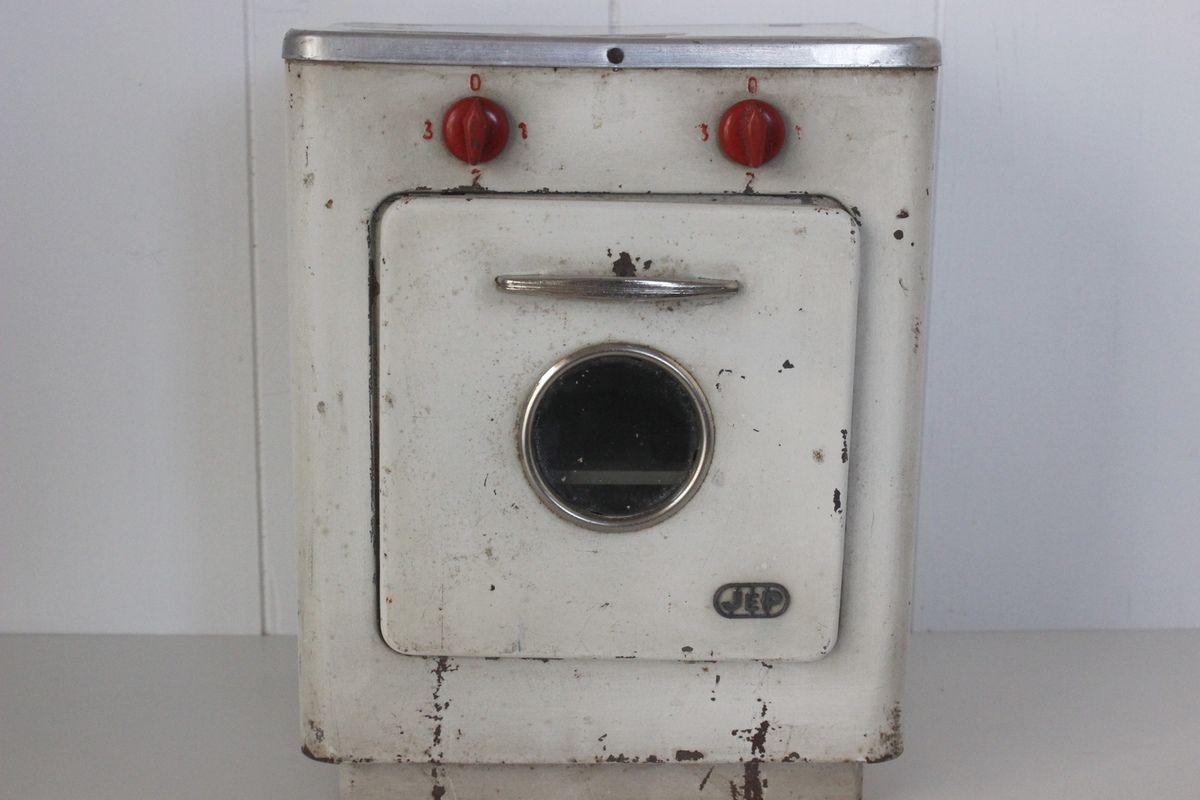 Petite cuisinière gaziniére en tôle Vintage - Années 60