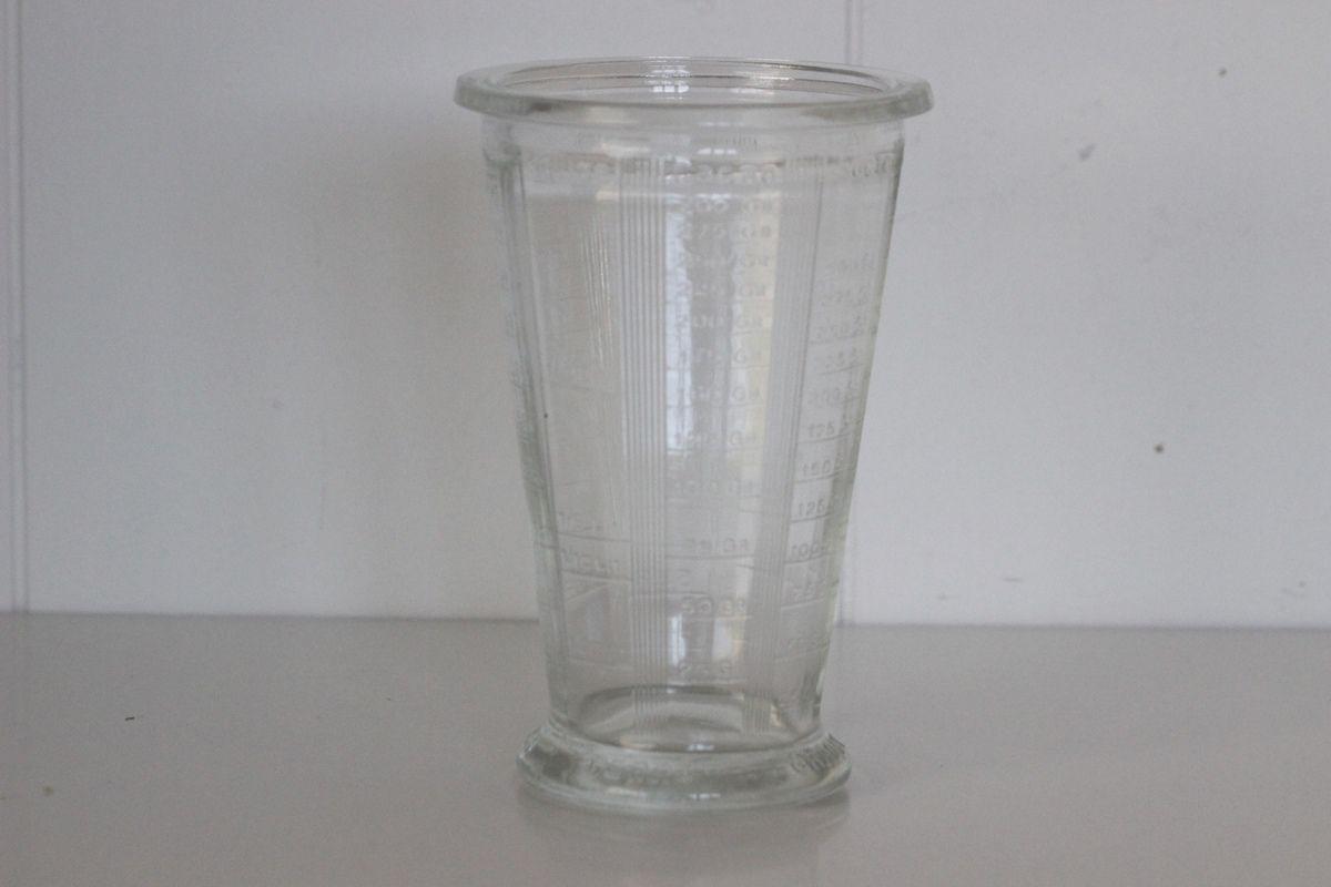Lot de 2 Pots doseurs anciens en verre moulé Vintage - Années 60