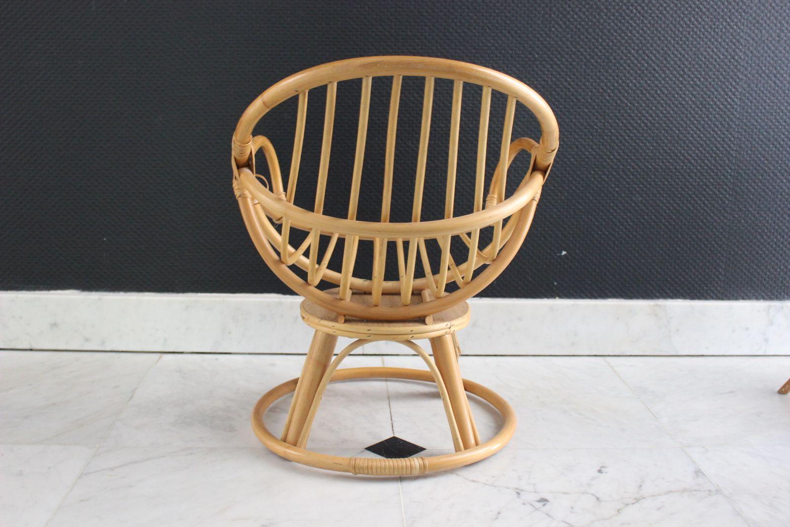 Superbe fauteuil enfant en rotin sur socle rond Années 70 - Vintage