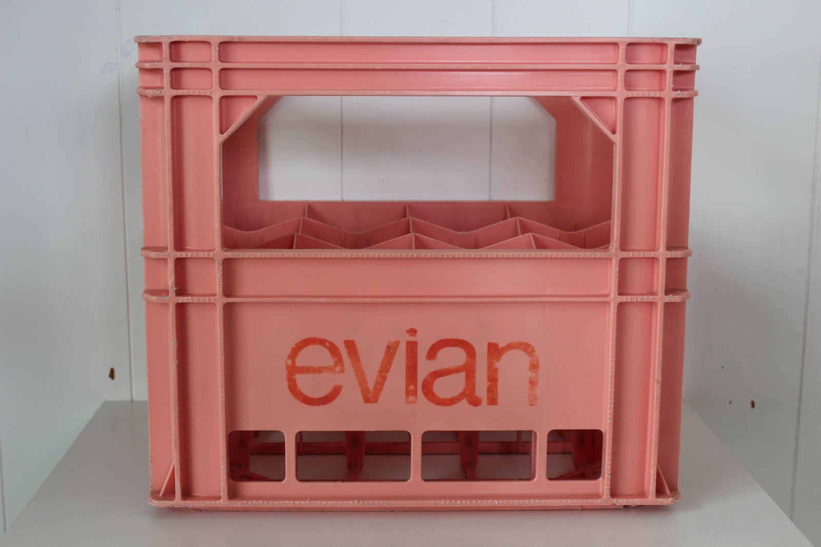 Caisse Evian rose 12 grandes bouteilles