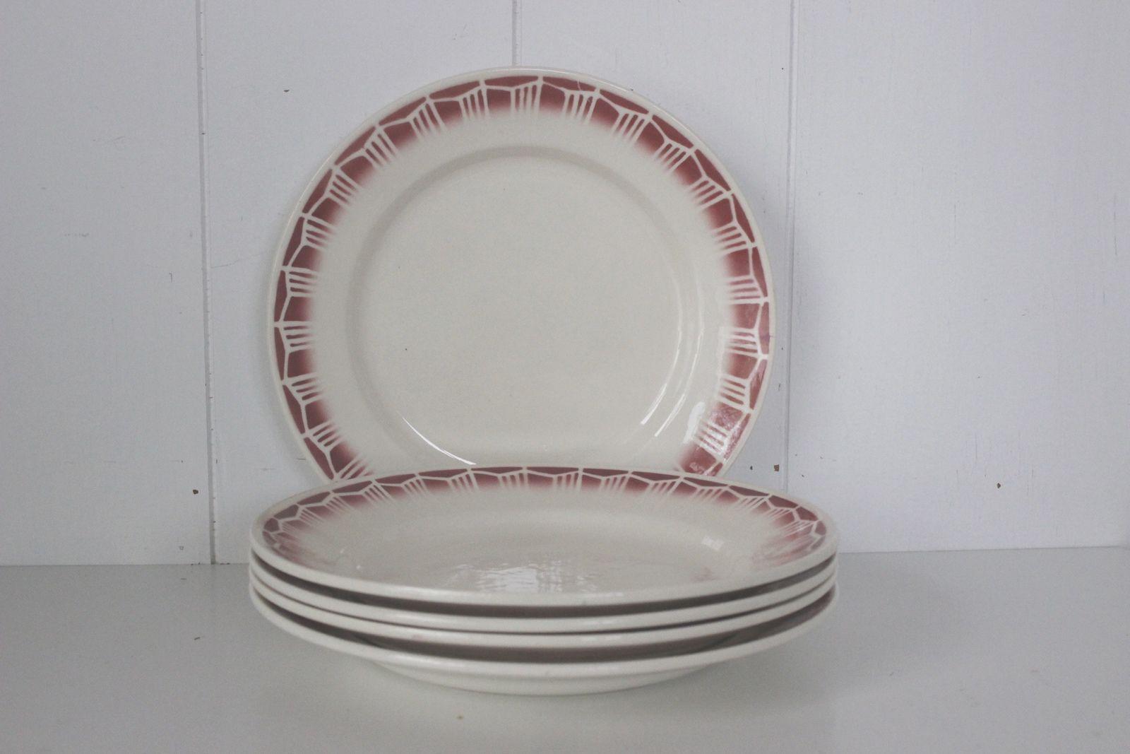 Lot de 5 assiettes plates décor bordeaux Vintage