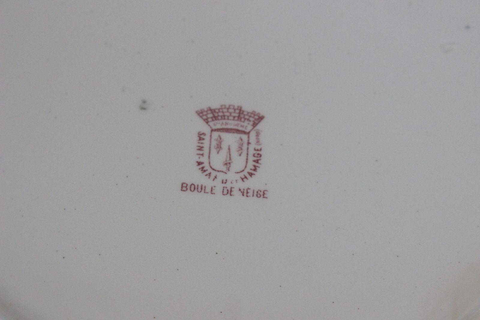 Plat rond Saint Amand et hamage Boule de neige décor rose