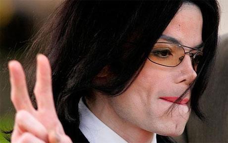MICHAEL JACKSON a été protégé par sa bizarrerie.