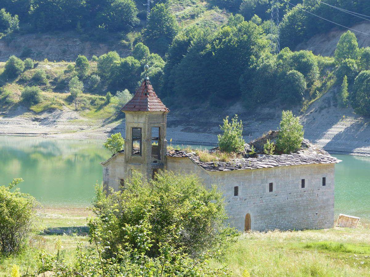 Autour du lac de Mavrovo