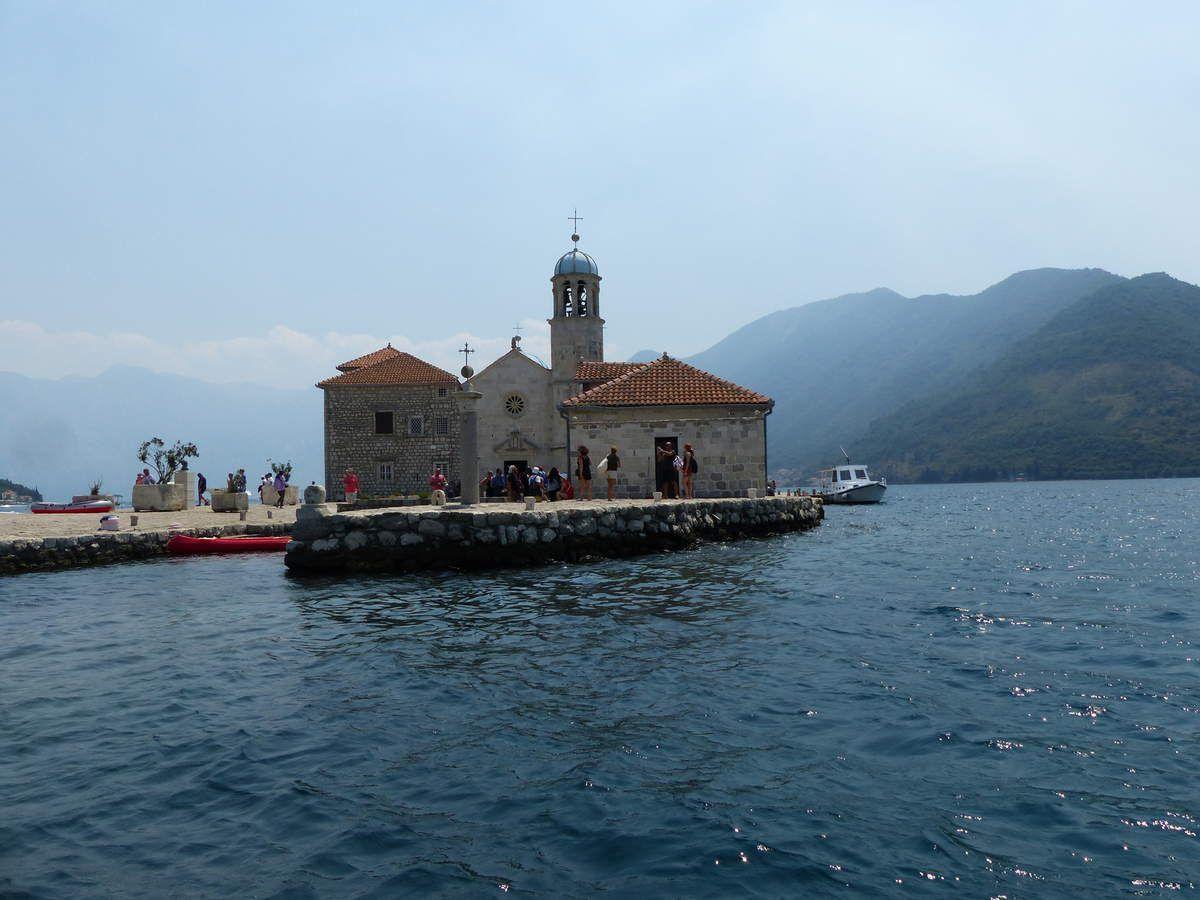 L'île de l'église Notre Dame des Recifs