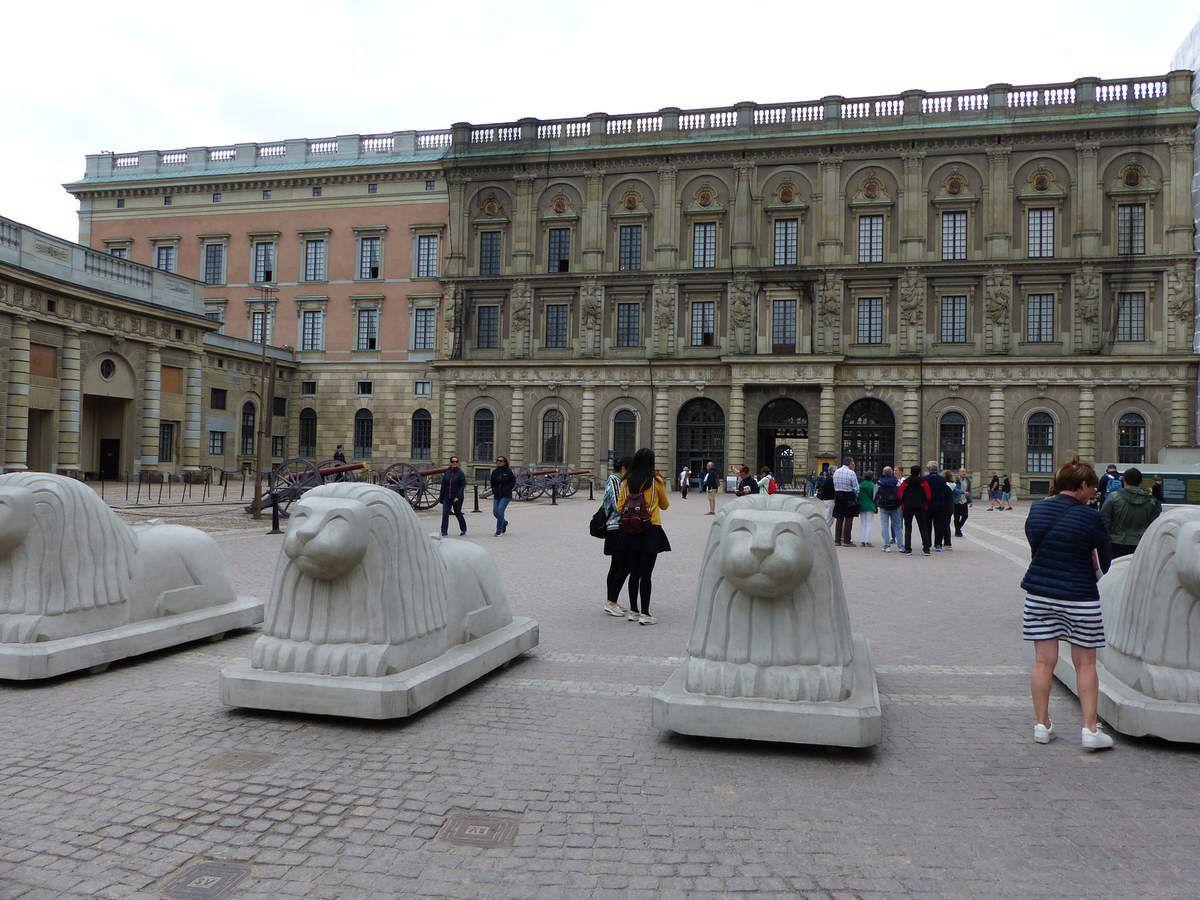 Le Palais Royal et les écuries