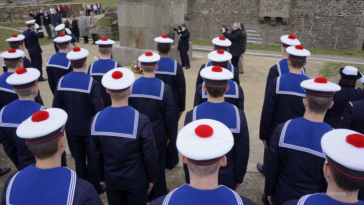 11 mars 2015 - Les élèves de la promotion Ernest Souben de l'École des mousses en visite au Mémorial national des marins morts pour la France