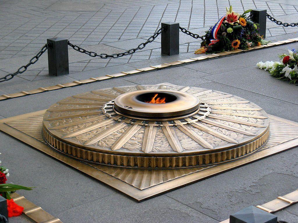 La Flamme à l'Arc de Triomphe à Paris