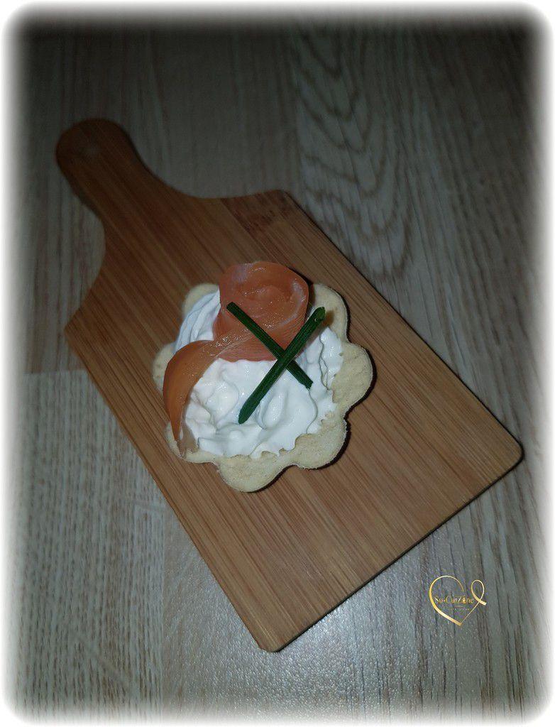 Bouchées de Toasty Fleur 3 Toque au Saumon Fumé de France agrémenté de sa chantilly au citron