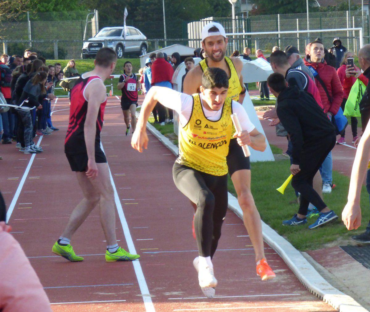 Les relais : toujours  un grand moment des interclubs. Encore plus quand la dernière course se solde par la victoire de notre 4 x 400 m masculin.