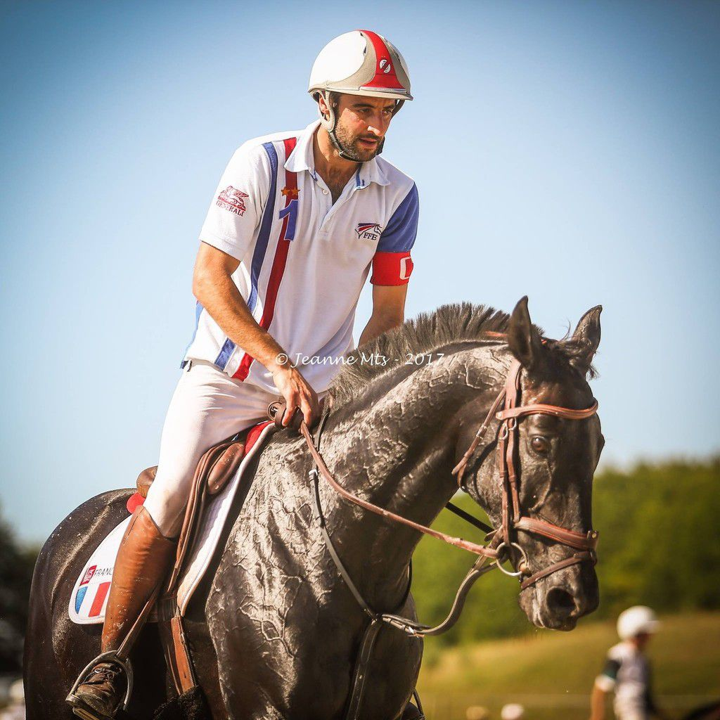Romain DEPONS, capitaine de l'Equipe de France de horse ball