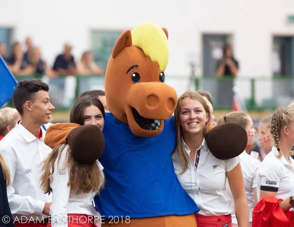 Charlotte Laguerre , Championne d'europe de Horse ball