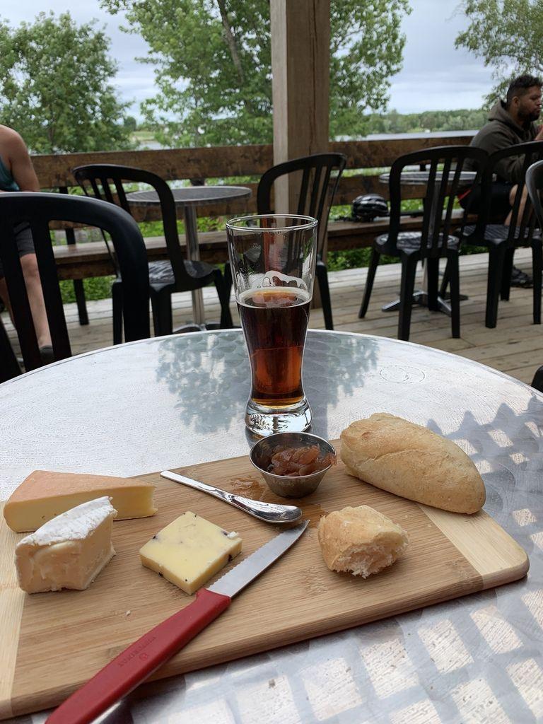 Bières surtout fromages aussi un peu (car c'est gras et on veut garder la ligne...)