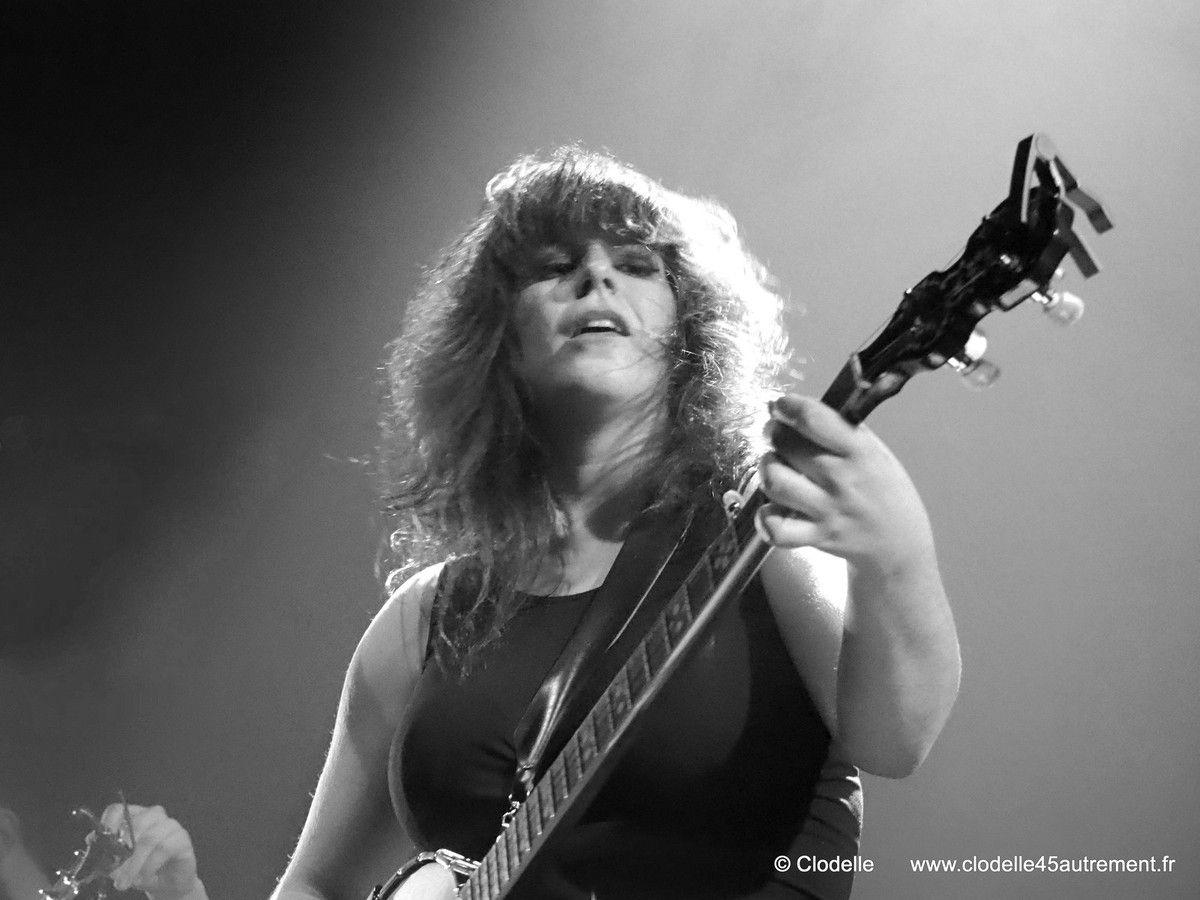 PHOTOS DU CONCERT de Lisa LEBLANC et POMME à SAINT JEAN DE LA RUELLE le 9 décembre 2016