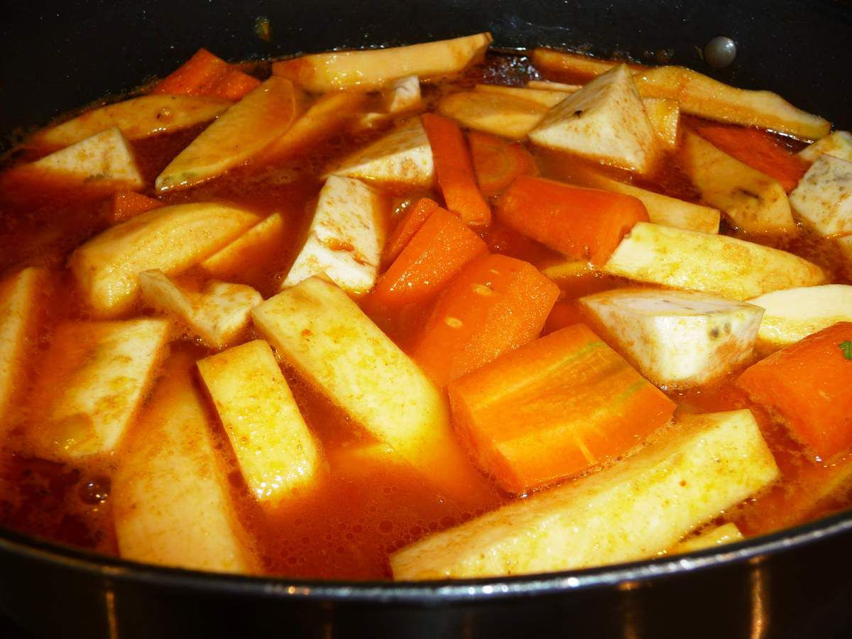 Couscous de boulettes d'agneau et légumes