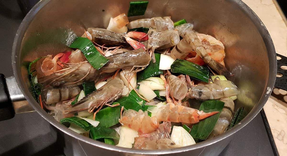 Ravioles de crevettes et poireau, sauce au safran