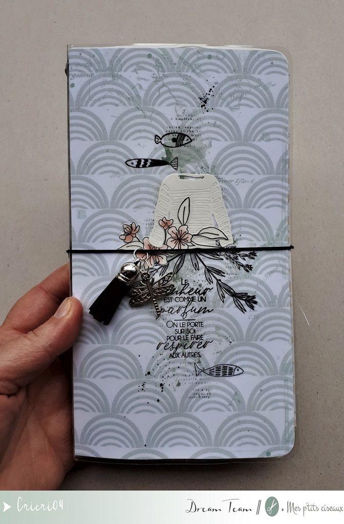 Un midori Traveler's notebook * DT Mesptitsciseaux *