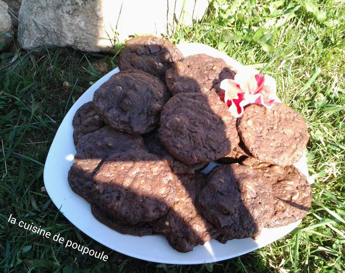 Cookies aux chocolat et à la noix de Macadamia au thermomix ou sans