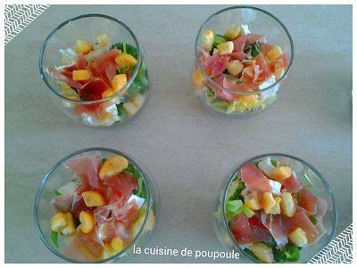 Verrines salade, pommes, jambon et chèvre