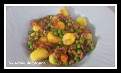 Gnocchis petits pois, tomates et viande haché