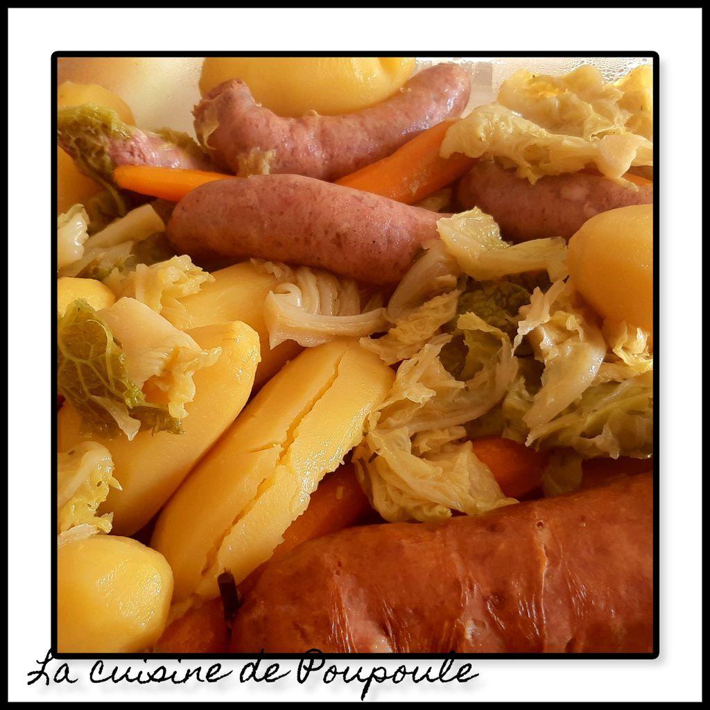 Potée au chou à la saucisse de Morteau