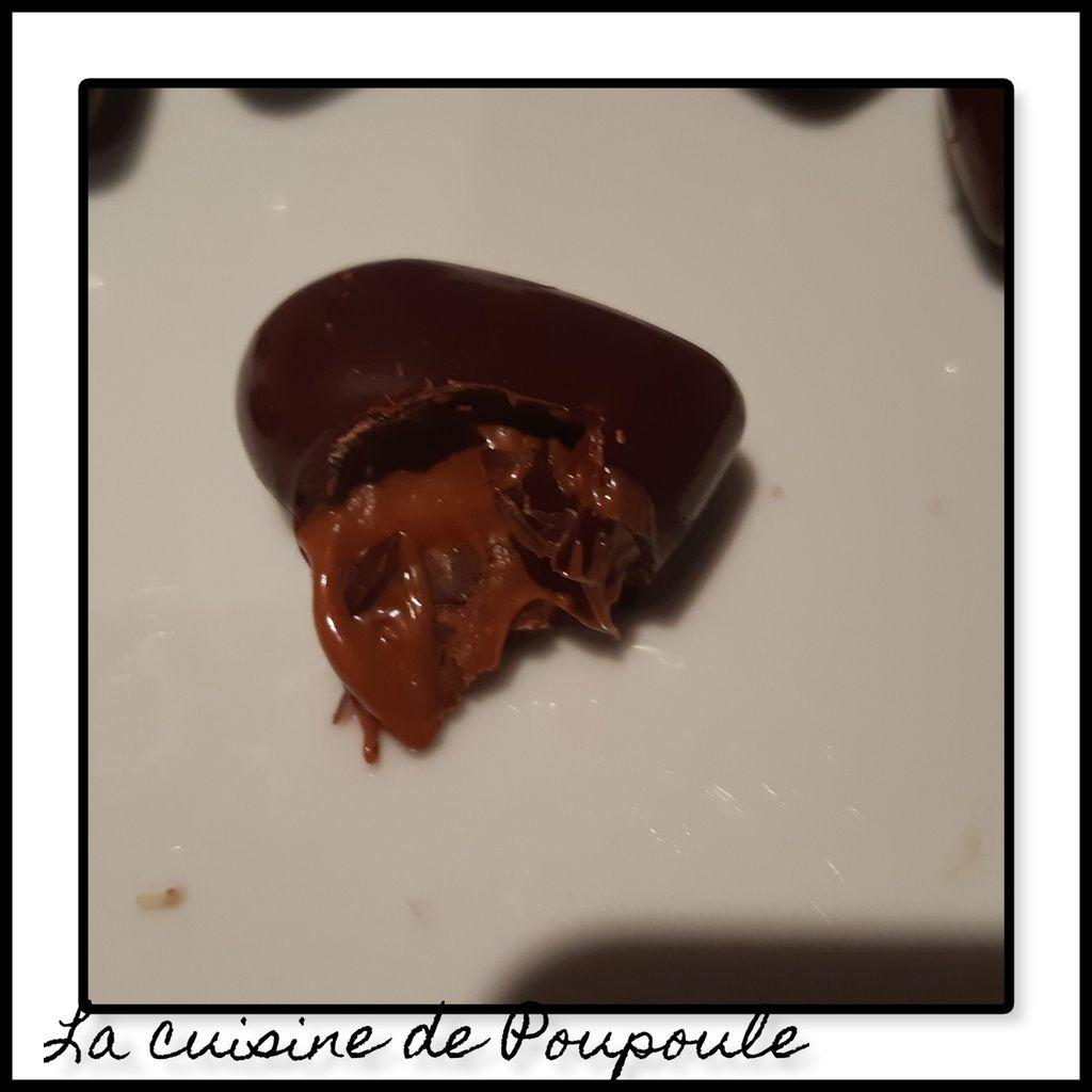 Chocolat noir cœur praliné aux noisettes
