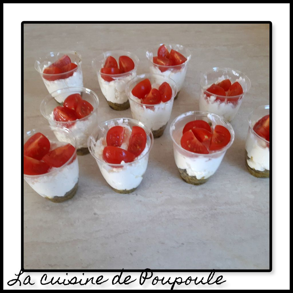 Verrines chantilly de feta et pesto
