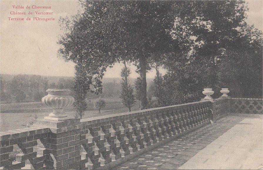 """Milon-la-Chapelle - Le Parc du Château de Vertcoeur - Invitation de René Philipon chez Lucas, postée en 1910 sur sa carte """"Allées du Ban de la Roche"""" - Emilie de Lapérouse épouse de René Philipon"""