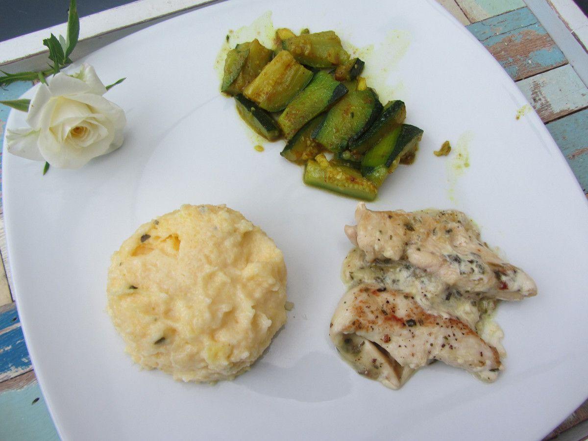 Emincé de poulet à l'estragon et courgettes au curry