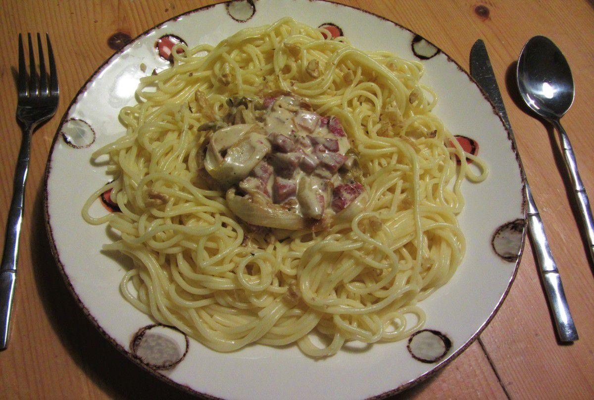 Spaghetti aux endives et au jambon